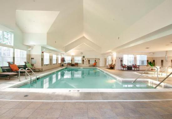 Colchester, VT: Indoor Pool & Spa