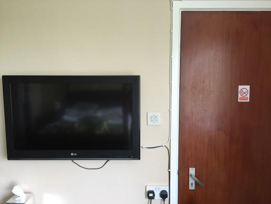 Cardigan, UK: Tv next to adjoining door