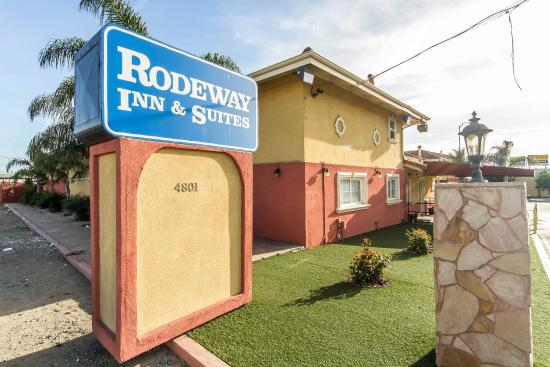 ‪Rodeway Inn & Suites Near the Coliseum & Arena‬