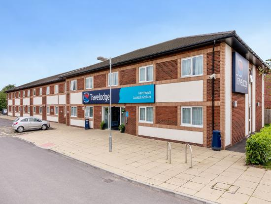 Lostock Gralam, UK: Travelodge Exterior