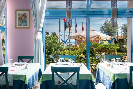 Hotel Eliseo : Ristorante vista mare