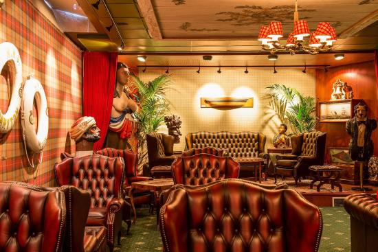 Victory Hotel: Bar/Lounge