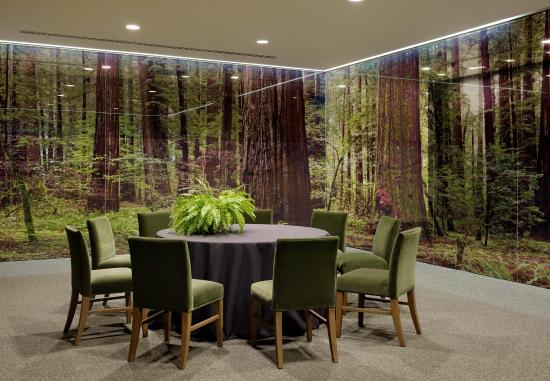 Hotel Paradox, Autograph Collection: Grove Meeting Room