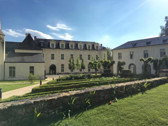 Fontevraud-l'Abbaye, Fransa: photo4.jpg