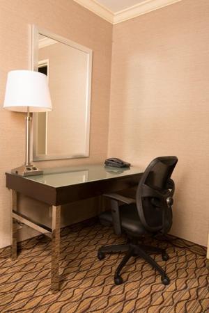 Port Hueneme, Καλιφόρνια: Work desk with free wireless or wired hi-speed internet access