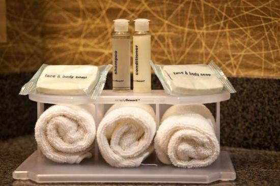 Port Hueneme, Καλιφόρνια: Enjoy the Guest Bath amenities in the newly renovated bathroom