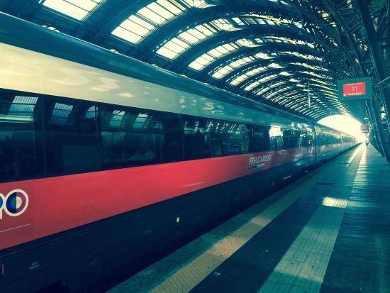 Sale Blu Ferrovie : Interior of intercity train first class picture of trenitalia
