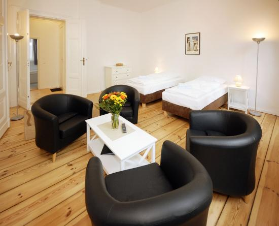 Old Town Apartments - Metzer Strasse: Family Apartment 6 people