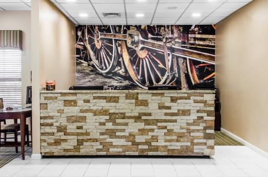 The Suites at Hershey: Lobby