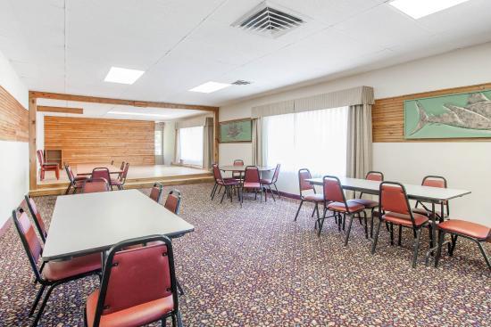 Depoe Bay, OR: Meeting Room