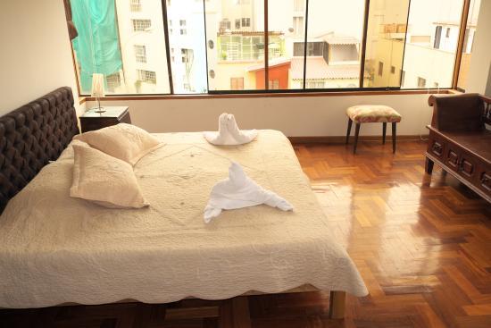 Inkawasi Backpacker Hostel : habitacion de luxe con vista al mar