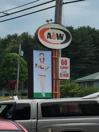 A & W Root Beer Drive-In: photo4.jpg