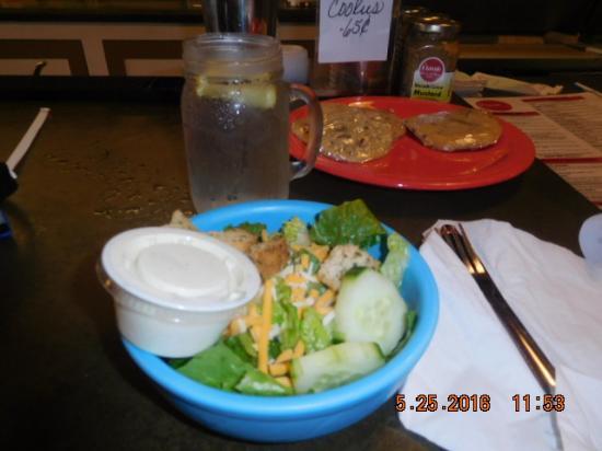 Brooklyn, IA: Side Salad Romain lettuce My choice Ranch Dressing