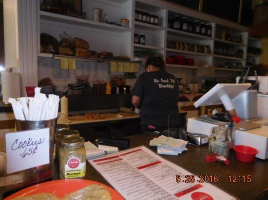 Brooklyn, IA: Lynn at work