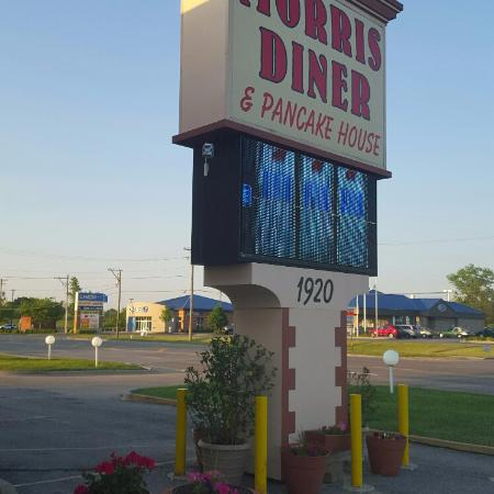 Morris, IL: Family restaurant with great gyros
