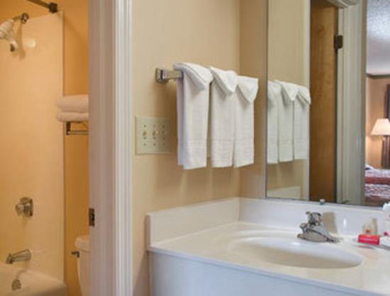 Cleveland, TN: Bathroom