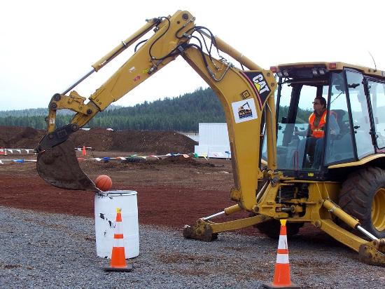 Williams, AZ: That's a two point basket with the backhoe!