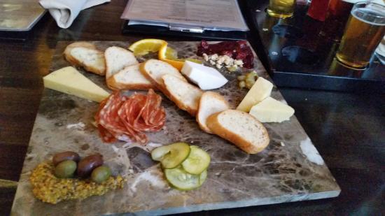Evanston, IL: Cheese Board