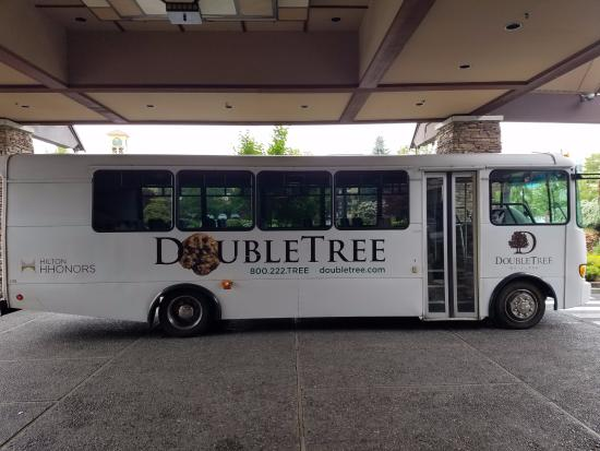 Doubletree By Hilton Seattle Airport Hotel Shuttle Bus To From Was Prompt With