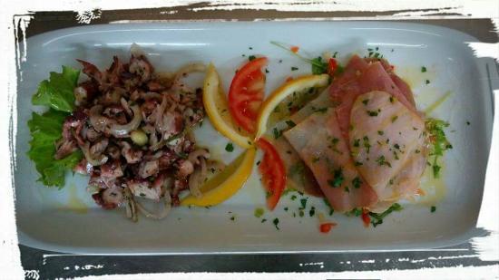 Betina, Kroatia: Octopus salad and Tunafish and Swordfish carpaccio.