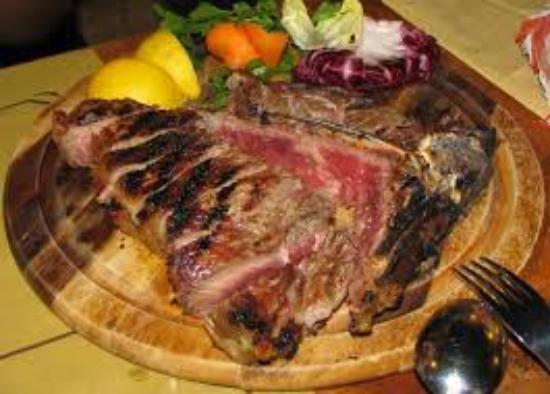 Montespertoli, Italy: bistecca