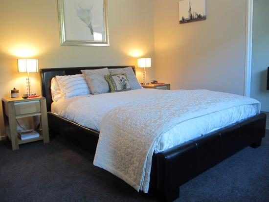 West Melton, New Zealand: Our superior room with own bathroom/ shower facilities