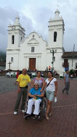 Catedral San Miguel Arcangel. Guaduas.