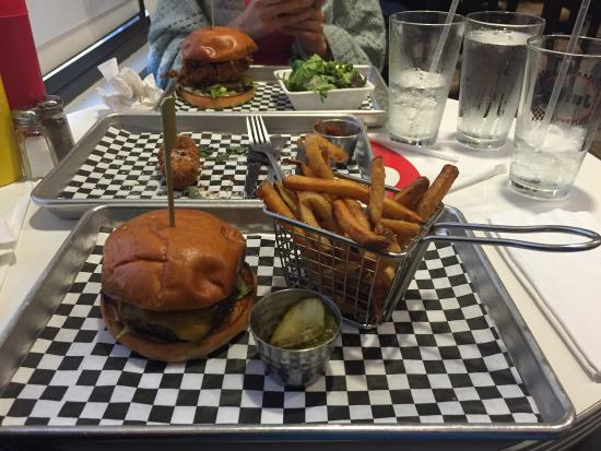 The signature Juicy burger was phenomenal!!! Easily the best burger I had in years. Would love t