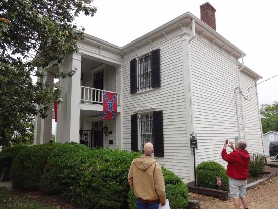 Lotz House Museum: Front and Side view of Lotz House with Confederate Flag