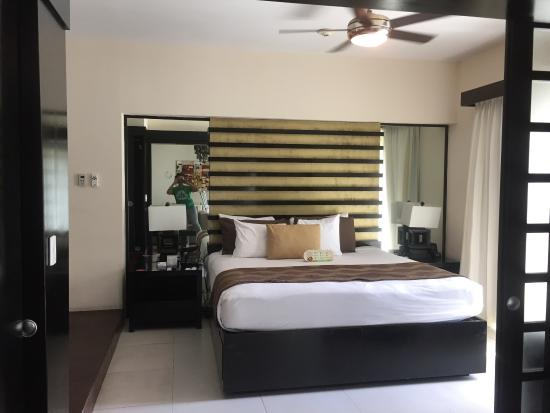 Master in the 2bdrm condo - Picture of The Fives Azul Beach