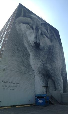 Thompson wolf mural up close