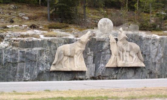 Thompson, Kanada: Wolf carving