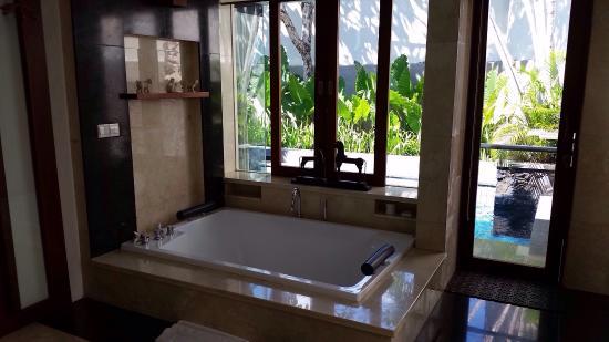 巴厘岛皇家卡美拉别墅酒店照片
