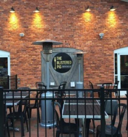 Apex, NC: The Blistered Pig Smokehouse
