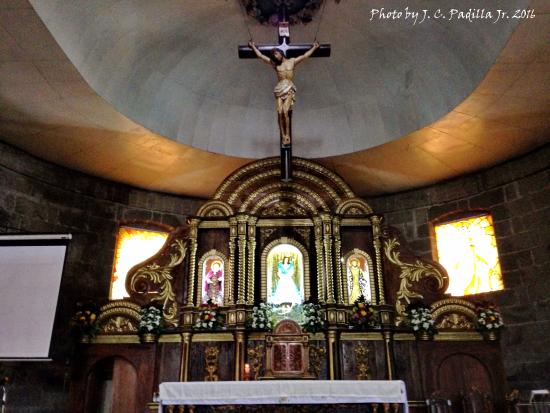 Dasmarinas City, Filippine: Main altar