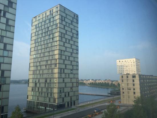 Almere, Nederländerna: Kamer 310