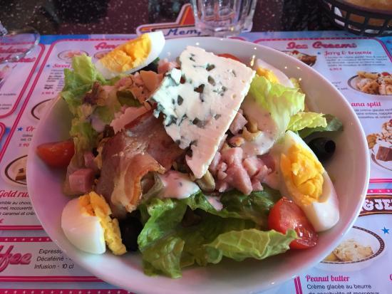 La Garde, Francja: Très bonne salade du menu et très copieux