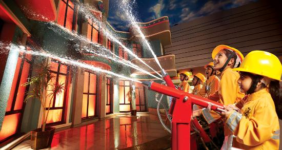 ‪‪Noida‬, الهند: Become a Fire-Fighter at KidZania Delhi NCR!‬