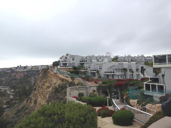 Dana Point, Californië: Residence view from trail