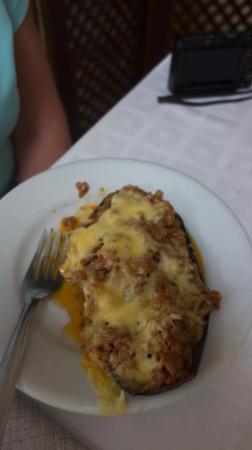 Cornudella de Montsant, Spanje: Grilled Aubergine with meat.