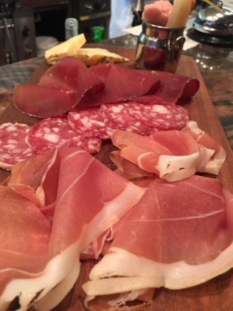 San Anselmo, Californie : Salumi and tartare platters!!