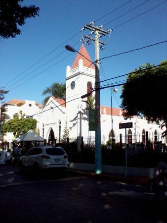 Iglesia San Rafael Arcangel: Vista della chiesa cattolica di S. Rafael a Boca Chica