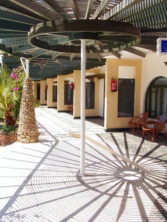 Aida Hotel Sharm El Sheikh El Hadaba : Esterno delle camere del primo piano.