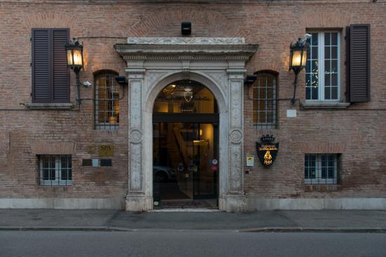 Duchessa Isabella Hotel