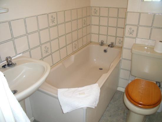 Macclesfield, UK: bathroom