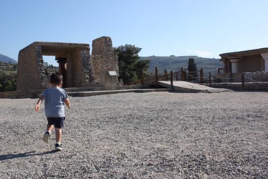 Knossos Archaeological Site: semideserto a maggio, il 18, giorno in cui l'ingresso è gratuito