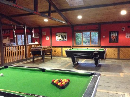 Belturbet, Irland: New games room