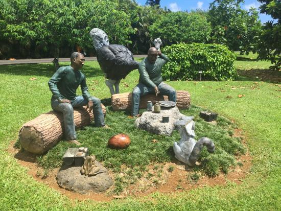 Kilauea, HI: Sculptures