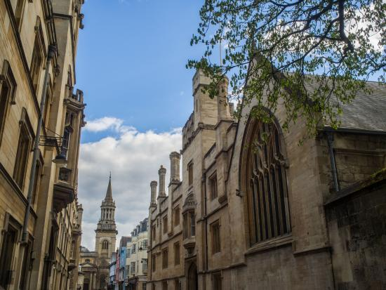 ‪Guided Walking Tours of Oxford‬