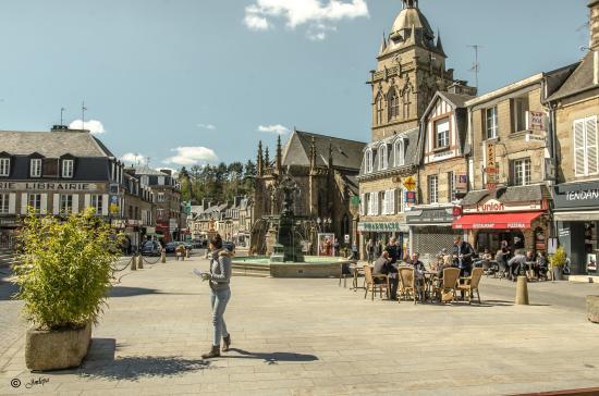 Villedieu-les-Poeles, Fransa: Centre ville à 5 mn à pied